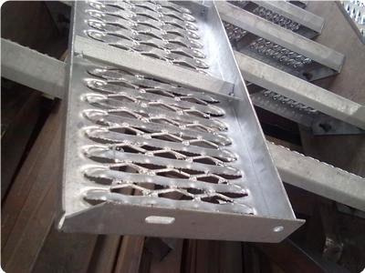 铝板鳄鱼嘴防滑板